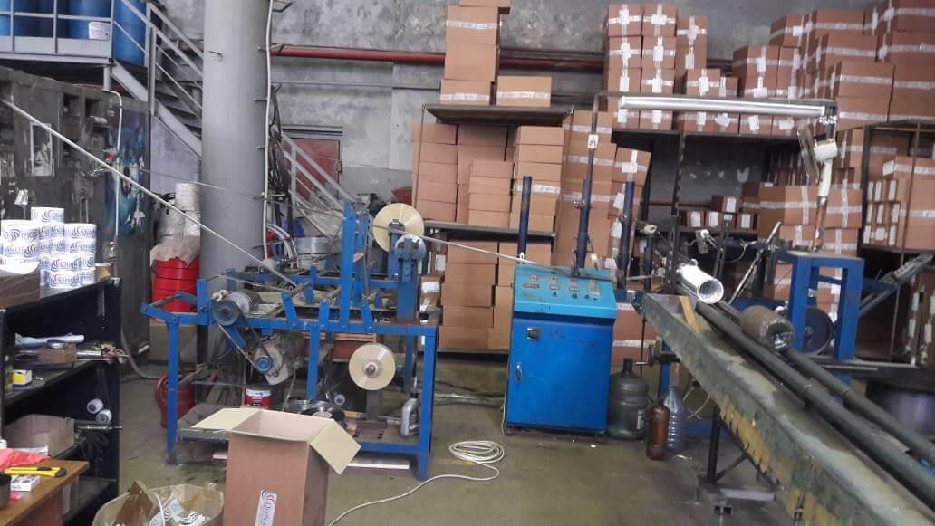 Станки и коробки в цеху завода Diaflex